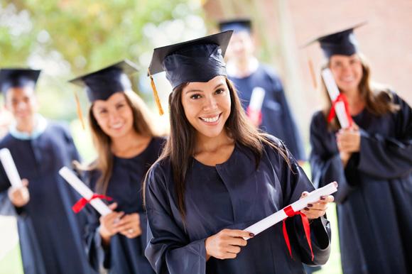 アメリカの5~6月は卒業シーズン!卒業生が着るキャップとガウンって!? | junglecity.com